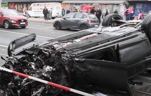 JEZIVA saobraćajka u Zagrebu: Pod punom brzinom pokosio SVE pred sobom, pešaci čudom preživeli (VIDEO)