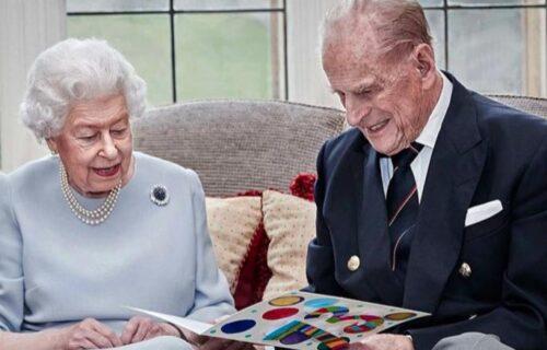Emotivno se OPROSTILA: Britanska kraljica Elizabeta podelila najdražu sliku sa preminulim suprugom (FOTO)