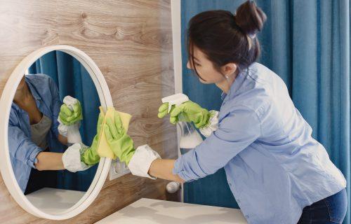 Genijalan TRIK: Kako da vam kupatilo, uz pomoć omekšivača, UVEK lepo miriše