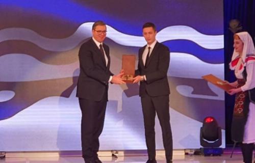 Predsedniku Vučiću uručen ključ Grada: Od danas sam i ja Banjalučanin (VIDEO)