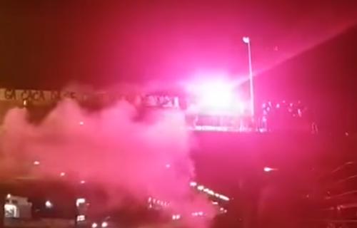 DIVLJANJE u Splitu: Na mostu palili baklje i pevali ustaške pesme u čast godišnjice osnivanja NDH (VIDEO)