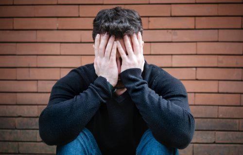 Mladić iz Studenjaka našao PRAMEN ženske kose na terasi: Kad je ugledao jedno SLOVO, sve je pošlo po zlu