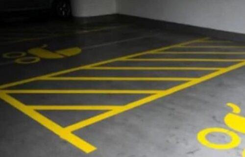 Policajci je kaznili zbog NEPROPISNOG parkiranja: Kad im se pojavila pred očima, oblio ih je hladan znoj