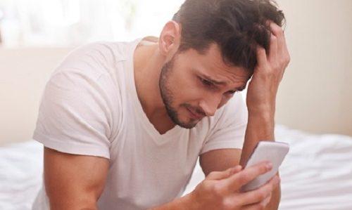 Dok se sin igrao na maminom telefonu, muž primetio 3 nepoznate slike, a onda je otkrivena NAJVEĆA tajna