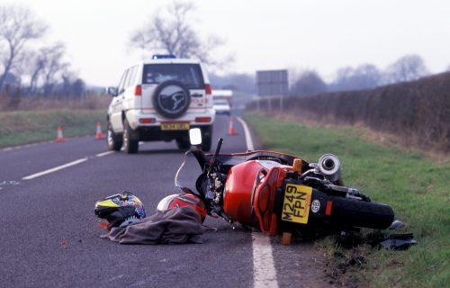 STRAVIČNA nesreća kod Ljubovije: U direktnom sudaru automobila i motocikla POGINUO motociklista