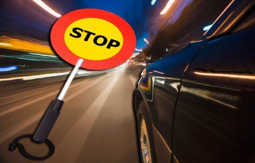 Nezapamćen slučaj u Francuskoj: ŽENA vozila u kontra smeru 60 kilometara, jedva je zaustavili!