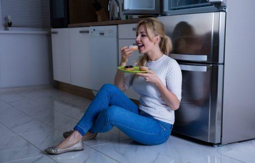 Možda je do HORMONA: Pet razloga zašto imate PRETERANU potrebu za šećerom