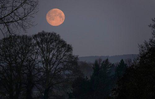 """VELIKE PROMENE počinju u utorak: Ružičasti pun Mesec """"zakopava"""" prošlost, posebno će uticati na tri znaka"""