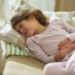 """""""Mama, jako me boli stomak..."""": Devojčica (12) otišla kod drugarice, a ono što se tamo desilo je SRAMOTNO"""