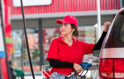 Radnica na benzinskoj pumpi (28) otkrila SKANDALOZNU aferu: Sve je počelo kada je dobila UDARAC u glavu