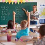 Roditelji u neverici: Škola uvela niz novih pravila i zabranila učiteljima da decu OVAKO pozdravljaju