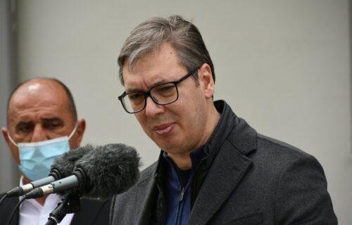 """""""To je napisao neko mnogo LUKAVIJI i pametniji"""": Vučić o non-pejperu, predsednik sumnja na jednu ŽENU"""