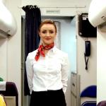 Stjuardesa razbila sve MITOVE, internet gori! Evo zašto su uvek NASMEJANE i ljubazne u avionu (VIDEO)