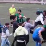 Opšta tuča na utakmici: Fudbaleri se nabadali kao u ringu, reagovala policija (VIDEO)