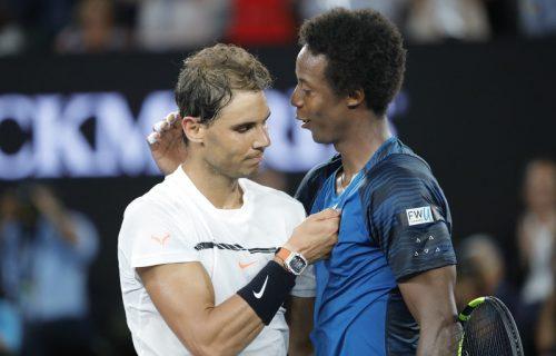 Veliki udarac koronavirusu:Legendarni teniser se vakcinisao! (FOTO)