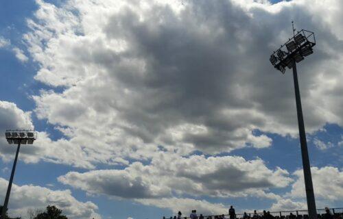 """Nebojša iz Zrenjanina opisao je šta vidi na nebu: """"Da vam ispričam kako izgleda kada vas ZAPRAŠUJU"""""""