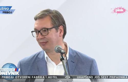 """Predsednik Vučić u Priboju: """"Vakcine su SPAS, molim ljude da se vakcinišu"""" (VIDEO)"""