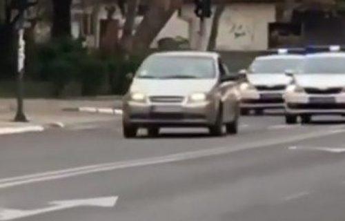 Osvanuo SNIMAK UŽASA u Nišu: U stravičnoj nesreći poginuo vozač, pre sudara BEŽAO od policije (VIDEO)