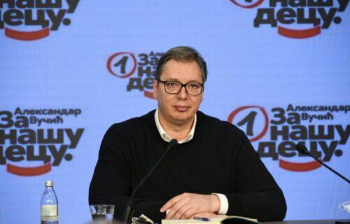 Vučić nakon sednice Predsedništva SNS-a: Krećem da zovem ljude na vakcinaciju (FOTO)