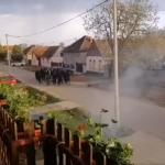 """""""Oj hrvatska mati, Srbe ćemo klati"""": Vukovarska policija privela 14 osoba zbog SKANDALA u Borovu"""