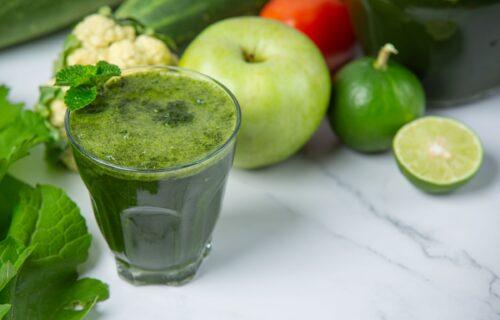 Pije se tri dana, po tri puta dnevno, pravi se od tri sastojka i pomaže kod mršavljenja (RECEPT)