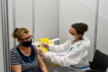 LEPE VESTI: U Srbiji dato više od od 3,8 miliona doza vakcina