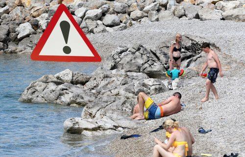 """""""Razbolela se cela plaža, ovo je GROZOMORNO"""": Žena opisala kroz kakav PAKAO su prošli na Jadranu"""