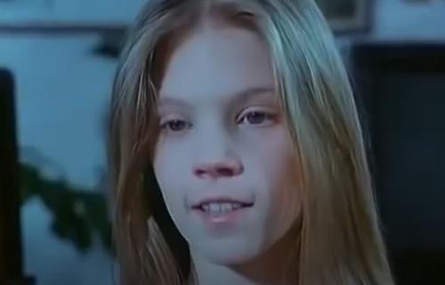 """Sećate se devojčice iz """"Ptice koje ne polete""""? Glumila unuku Bate Živojinovića - ovako IZGLEDA sad (FOTO)"""