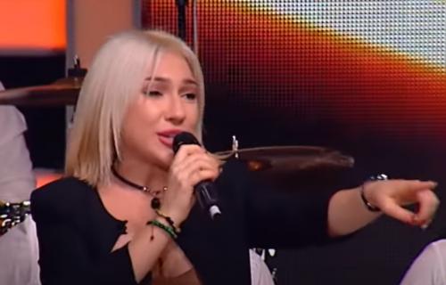 """Jovana Jeremić novi član žirija u ZVEZDAMA Granda? Dobila je i NAGRADU za ženu godine: """"Narod je uz mene"""""""