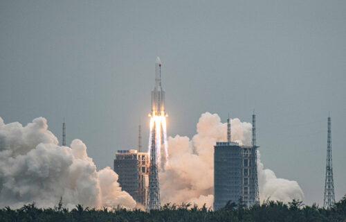 PANIKA u svetu! Deo kineske rakete kruži oko Zemlje - evo gde može da PADNE i da li je Srbija bezbedna
