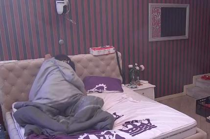 Kristijane, OVO ti gleda žena: Golubović imao odnose sa ljubavnicom usred dana pred MILIONIMA (VIDEO)