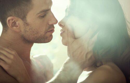 Najvrelija poza: Žene je vole zbog žestokog VRHUNCA, a muškarcima nudi DVOSTRUKO uživanje (ILUSTRACIJA)
