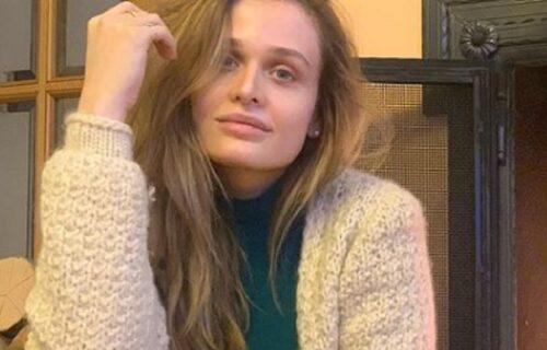 Ćerka Anice Dobre privukla je pažnju POLJUPCEM sa Anom Lečić, pa priznala: Mama me nije ni PODRŽALA