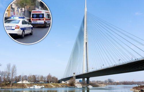 DRAMA na Mostu na Adi! Žena prešla ogradu, pretila da će da SKOČI u reku, policija brzo reagovala