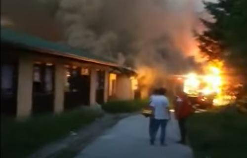 Drama u Užicu: Veliki POŽAR zahvatio studentski dom, situacija je OZBILJNA (FOTO)