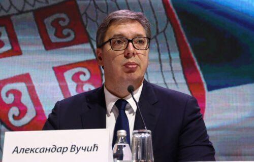 Ovacije za predsednika Vučića na sednici SNS: Idemo na izbore da ubedljivo pobedimo (FOTO+VIDEO)