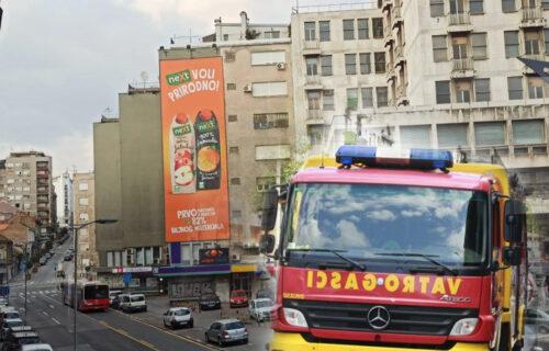 Novi POŽAR u Beogradu: Gori stan u centru grada, jedna osoba ZAROBLJENA na terasi