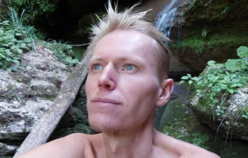 Izazov ga odveo u smrt: Jutjuber GLADOVAO 40 dana i PREMINUO (FOTO)