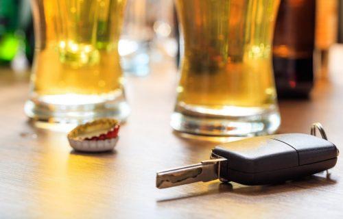 Alkohol u organizmu: Koliko treba sačekati pre nego što sednete za volan?