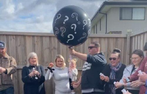 Par priredio zabavu u dvorištu, pa žena otkrila pol deteta: Reakcija muža zaprepastila je sve (VIDEO)