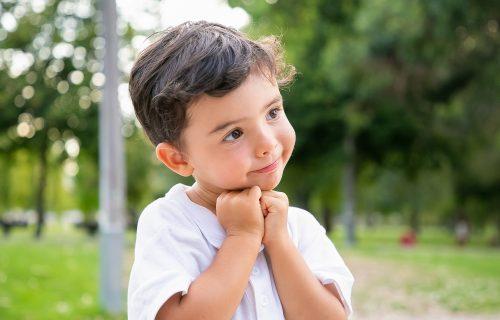 Pravila ponašanja se USVAJAJU u detinjstvu: 7 najvažnijih stvari koje odmah treba da naučite svoju DECU