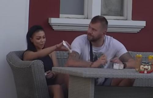 Novi HAOS između Janjuša i Maje: Dovela ga je do ludila, zamalo TUČA, obezbeđenje ih razdvajalo (VIDEO)