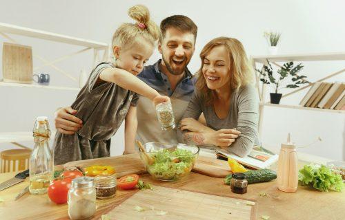 Natrijum, kalcijum, magnezijum: Kako da znate da li vaše dete unosi DOVOLJNU količinu minerala?