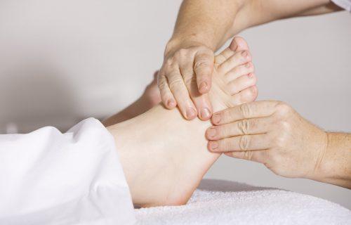 10 minuta koji mogu da promene SVE: Zašto svako veče pre spavanja treba da masirate stopala?