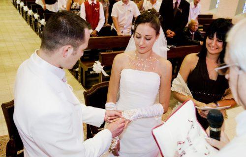 Krišom sam došla na venčanje svog bivšeg i mladi otkrila SUROVU tajnu zbog koje ga je ostavila pred SVIMA