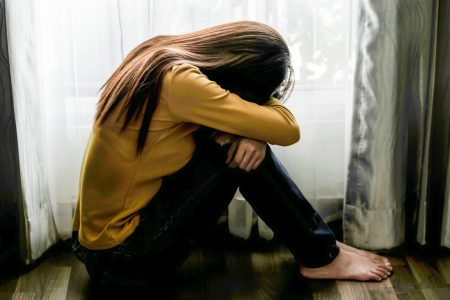 Naučnici otkrili: Depresija u mladosti povećava šansu za OVU BOLEST u starosti