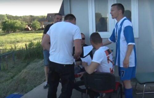 PRVA VAKCINACIJA na srpskom stadionu: Vakcinisali se fudbaleri, a onda su pristupili i navijači (VIDEO)