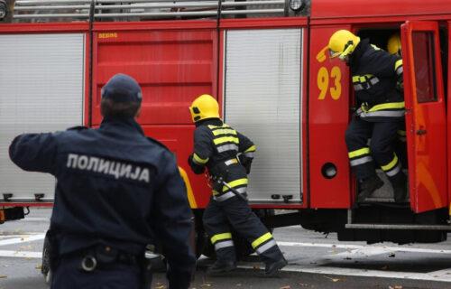 Drama u Kliničkom centru: Žena pretila da će skočiti sa zgrade, vatrogasci raširili vazdušni jastuk