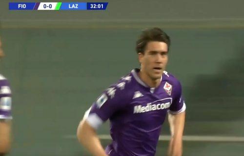 Vlahović nema milosti: Novi gol sjajnog napadača, a žrtva je bio legendarni golman (VIDEO)
