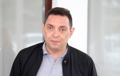 Vulin ponizio izdajnika srpskog naroda: Bečić ne razume da politika nije razgovor o modi sa Jakovljevićem